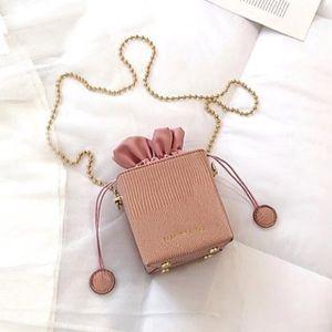 Handbags - Pink Cube Purse!